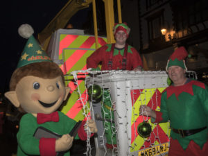Chester Elves helping prepare the city centre